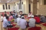 دورة شرعية للمستوى الأول للجالية البنغالية بجامع الأحمد.
