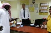 جولة دعوية على مكاتب إيجار السيارات وتوزيع مواد دعوية.