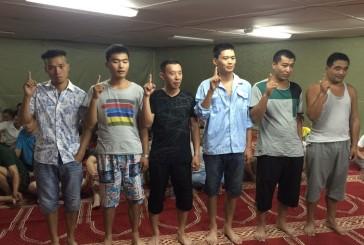 مسلمين جدد من الجالية الصينية.