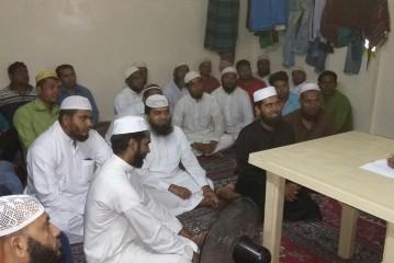 برنامج دعوي باللغة البنغالية في صالة سكن العزاب.